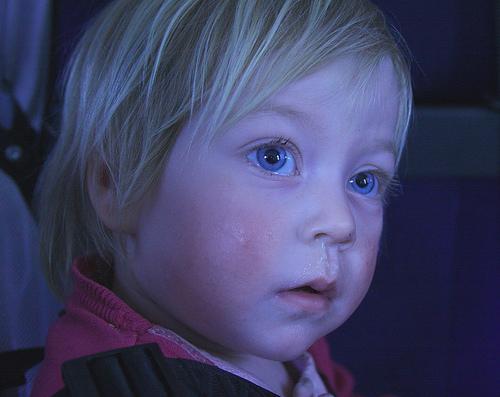 赤ちゃんの鼻水、鼻づまりを吸う方法 吸引器(鼻吸い器)が便利