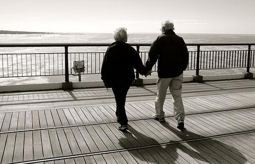 波止場の老夫婦