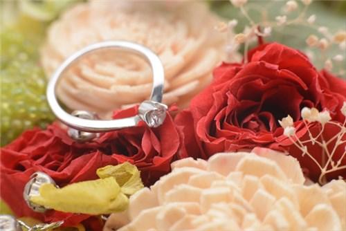 花とダイアモンド