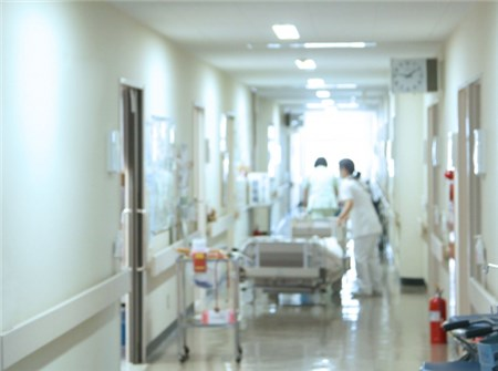 病院の廊下
