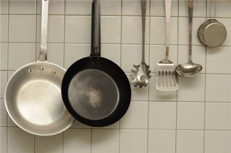 キッチンに吊るしてある調理器具
