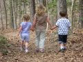 子供の成長の妨げになる過保護な親の特徴6つ